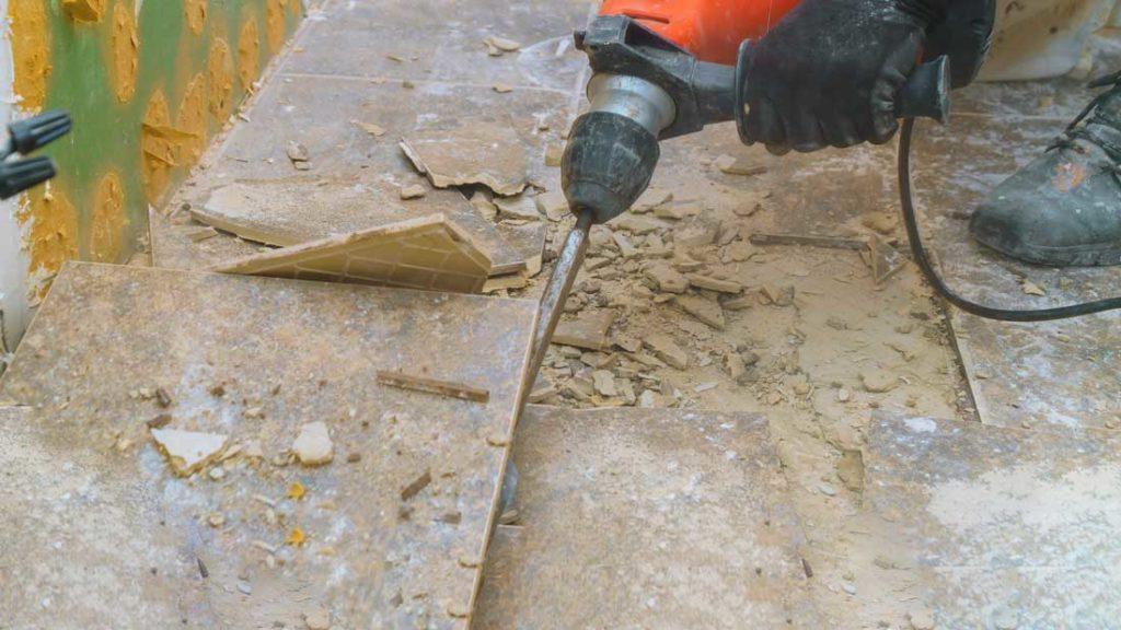 Vorsicht bei Bodensanierung - Asbest in Fliesenklebern | AsbestProfi Darmstadt