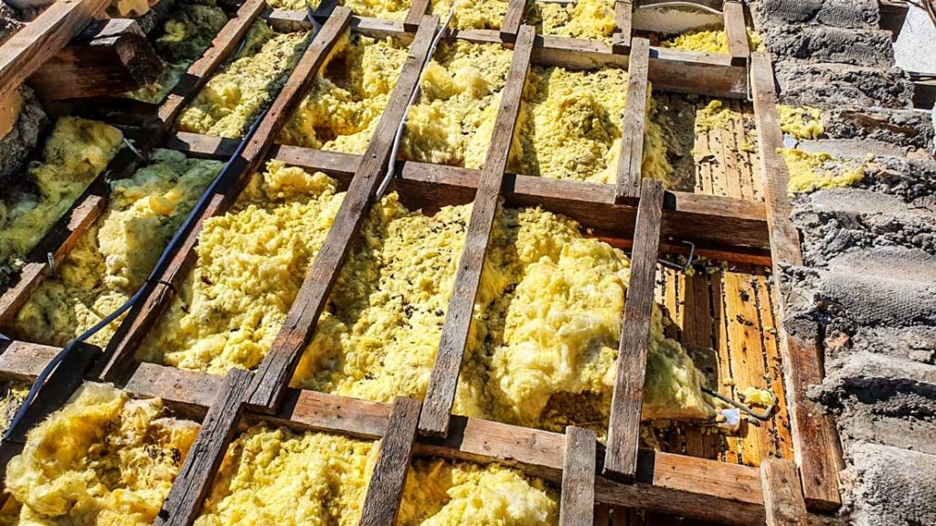 Entsorgung von KMF Wolle (Künstliche Mineralfasern) | AsbestProfi Darmstadt